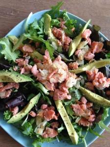 Zalm avocado amandel salade